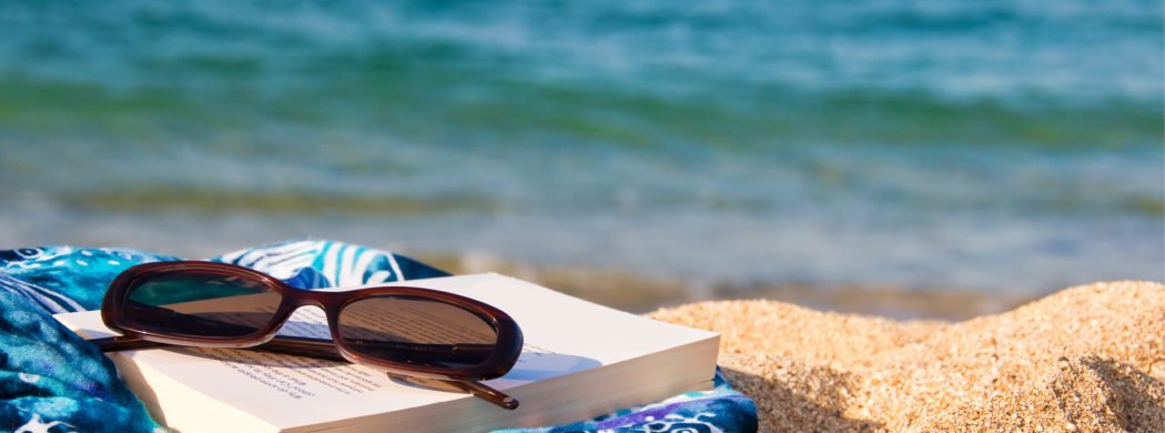 Summer-Book-Club-2018_beach-1050x390